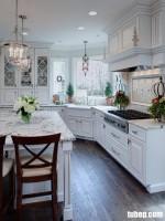 Nét đẹp thơ mộng của tủ bếp cổ điển phong cách Châu Âu