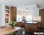 """Tủ bếp gỗ sồi vàng Mỹ, vẻ đẹp mộc mạc và rất """"chân tình"""""""
