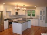 Tủ bếp gỗ xoan đào sơn men trắng có đảo TBT0016