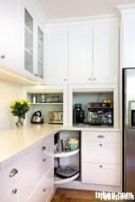 Tủ bếp gỗ Sồi  tự nhiên sơn men TBN001