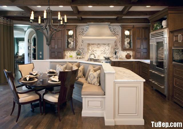 traditional kitchen6 Tủ bếp gỗ tự nhiên phong cách Châu Âu TBN102