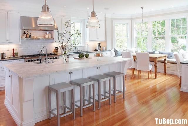 traditional kitchen Tủ bếp gỗ sồi sơn men trắng có đảo TBN0011