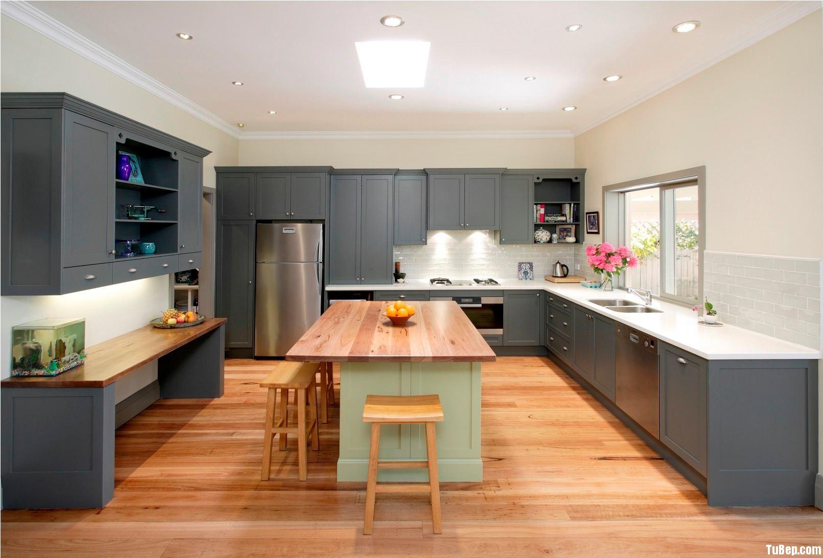 h5 Tủ bếp gỗ xoan đào sơn men màu chữ U có đảo TBT0039