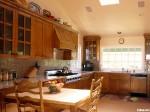 Tủ bếp gỗ Laminate chữ I màu xám đỏ TBT0446