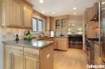 Tủ bếp gỗ Tần bì – TBB101
