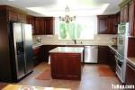 Tủ bếp gỗ xoan đào – TBB072