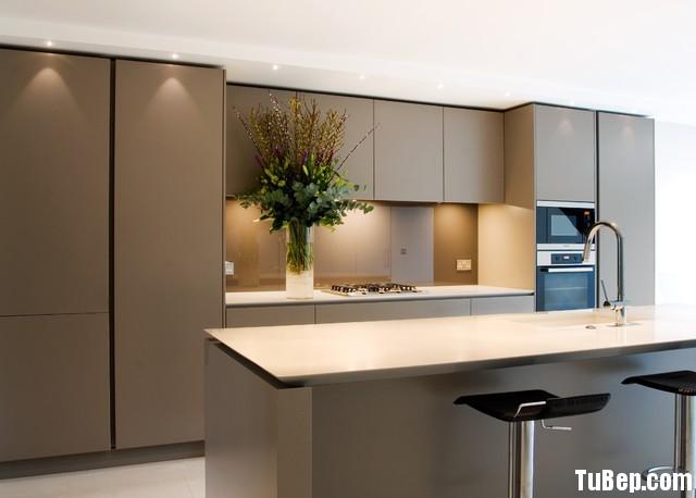 acrylic Tủ bếp gỗ MDF Acrylic có bàn đảo và hệ tủ kho – TBB045