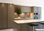 Tủ bếp gỗ MDF Acrylic có bàn đảo và hệ tủ kho – TBB045