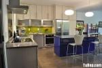 Tủ bếp Laminate màu trắng kết hợp vân gỗ chữ L có quầy bar TBT0742