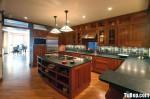 Tủ bếp hình chữ U gỗ xoan đào sơn PU– TBB218