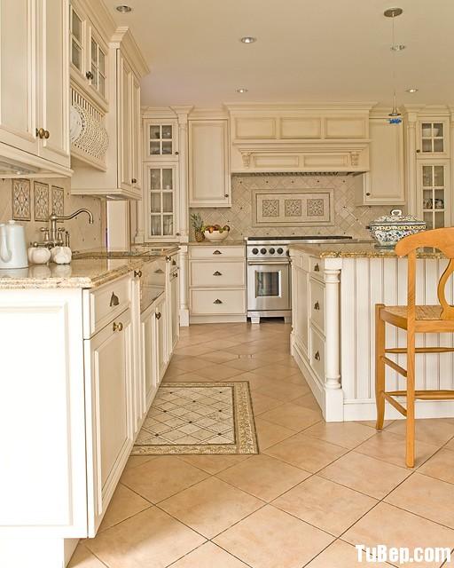 traditional kitchen1 Tủ bếp gỗ sồi Nga sơn men trắng   TBB051