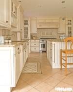 Tủ bếp gỗ sồi Nga sơn men trắng – TBB051