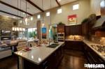 Tủ bếp gỗ xoan đào, có bàn đảo – TBB033