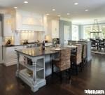 Tủ bếp gỗ tự nhiên sơn men có bàn đảo – TBB026