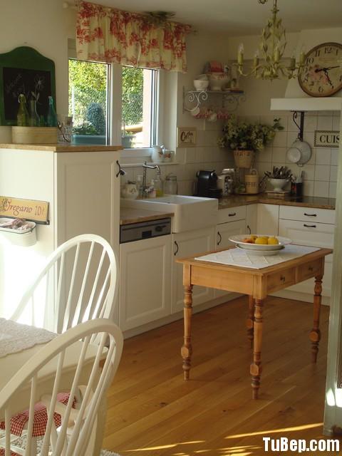 24 Tủ bếp gỗ tự nhiên   TBN124