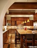 Tủ bếp gỗ xoan đào có bàn đảo – TBB087