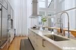 Tủ bếp gỗ tự nhiên sơn men trắng chữ I có bàn đảo TBT0654