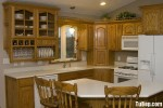 Tủ bếp gỗ tự nhiên chữ U có đảo TBT0481
