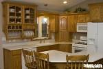 Tủ bếp gỗ xoan đào, có bàn đảo – TBB046