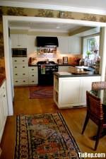 Tủ bếp gỗ tự nhiên Sồi Mỹ sơn men kết hợp bàn Bar – TBB303