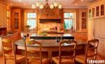Tủ bếp gỗ tự nhiên Tần Bì kết hợp bàn đảo – TBB372
