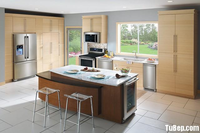 laminate vên gỗ kết hợp hai màu Tủ bếp Laminate có đảo TBT0293
