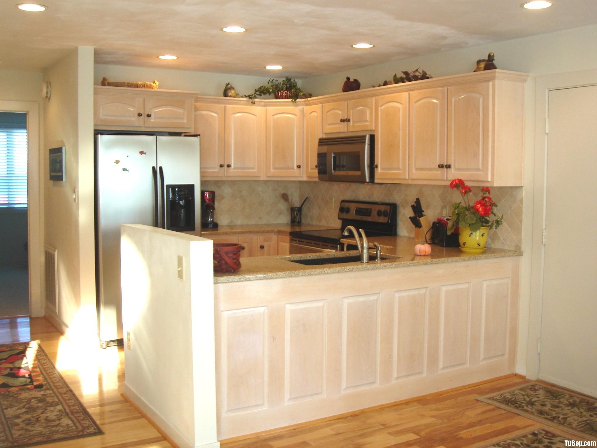 xoan đào sơn men Tủ bếp gỗ xoan đào sơn men trắng chữ U TBT0387