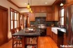 Tủ bếp gỗ tự nhiên Căm Xe kết hợp bàn đảo – TBB312
