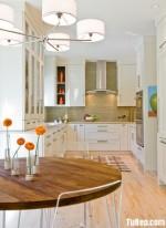 Tủ bếp gỗ tự nhiên sơn men trắng – TBB384