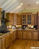 Tủ bếp gỗ tự nhiên Xoan đào – TBB318