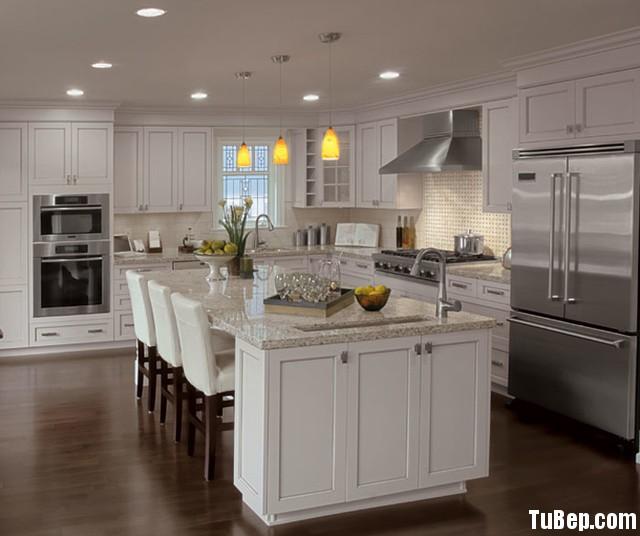 traditional kitchen cabinets 20 Tủ bếp gỗ Sồi tự nhiên sơn men trắng chữ L TBT0580