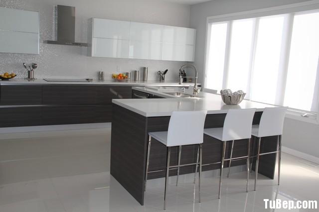 tu bep go cong nghiep 3 Tủ bếp gỗ Acrylic màu trắng kết hợp vân gỗ chữ I TBT0522