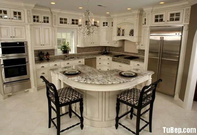 traditional kitchen cabinets 18 Tủ bếp gỗ Sồi sơn men trắng có đảo TBT0569