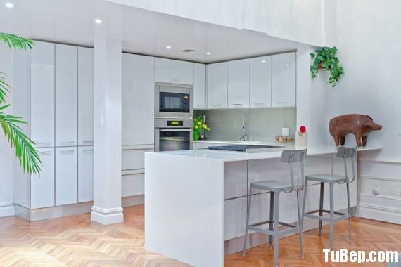 tu bep go cong nghiep 24 Tủ bếp gỗ Acrylic màu trắng có đảo TBT0623