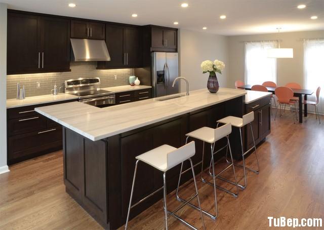 0708 7 Tủ bếp gỗ xoan đào sơn PU – TBB499
