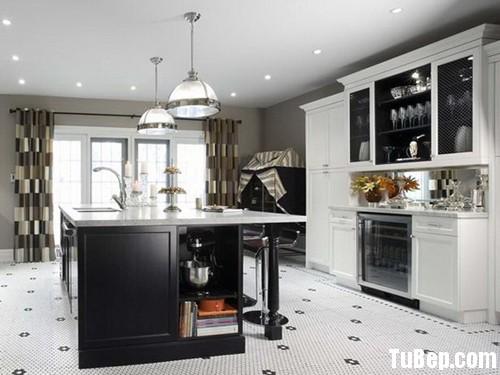 1608 2 Tủ bếp gỗ tự nhiên sơn men trắng + bàn đảo – TBB543