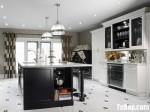 Tủ bếp gỗ tự nhiên sơn men trắng + bàn đảo – TBB543
