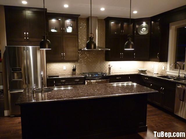 traditional kitchen cabinets 16 Tủ bếp gỗ tự nhiên sơn men chữ L có đảo TBT0562