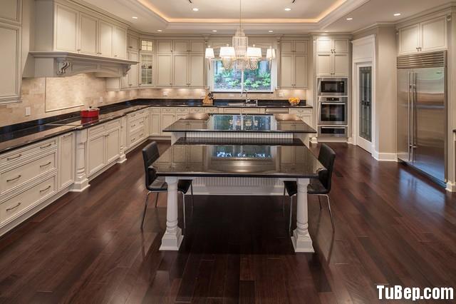 traditional kitchen cabinets 22 Tủ bếp gỗ Sồi tự nhiên màu trắng có đảo chữ L TBT0581