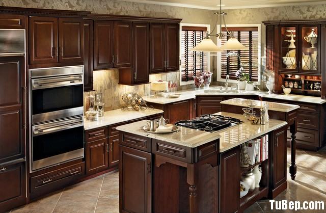 traditional kitchen cabinets 7 Tủ bếp gỗ tự nhiên chữ L có đảo TBT0529