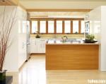 Tủ bếp gỗ Acrylic màu trắng phối vân gỗ nhạt chữ L TBT0556