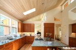 Tủ bếp gỗ Giáng hương hình chữ  L có bàn đảo – TBB443