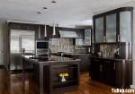 Tủ bếp gỗ tự nhiên sơn men màu nâu đen có đảo TBT0558