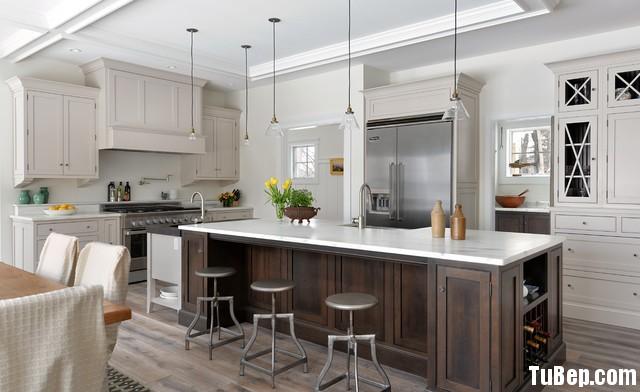 0708 5 Tủ bếp gỗ tự nhiên sơn men trắng + bàn đảo – TBB497