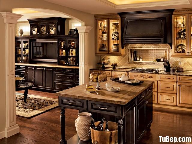 traditional kitchen cabinets 5 Tủ bếp gỗ tự nhiên sơn men đen chữ I TBT0521