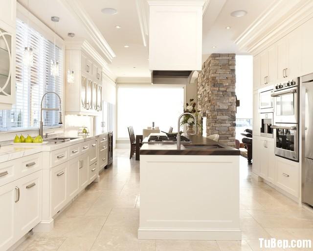 traditional kitchen cabinets 51 Tủ bếp gỗ Sồi tự nhiên sơn men trắng chữ I TBT0659