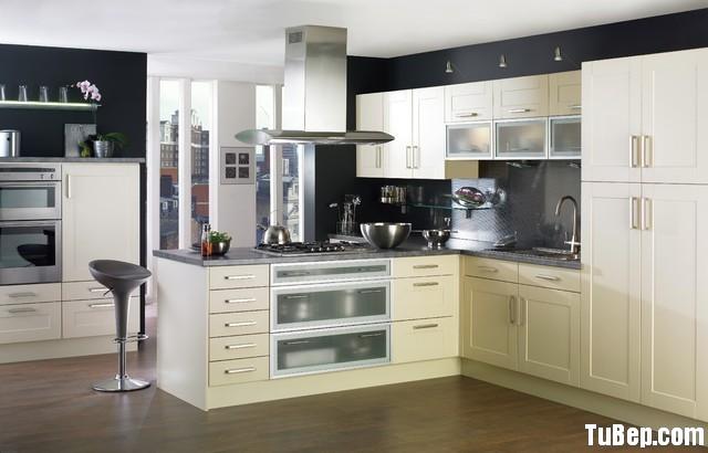 traditional kitchen cabinets 24 Tủ bếp gỗ Laminate màu trắng kem chữ L   TBB670