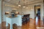 Tủ bếp gỗ tự nhiên sơn men trắng TBT0647