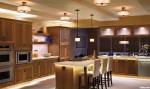 Tủ bếp gỗ xoan đào tự nhiên – TBB803
