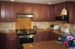 Tủ bếp gỗ Căm xe tự nhiên hình chữ U TBT0850